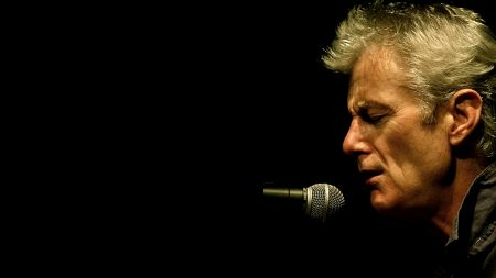 peter hammill, microphone, face