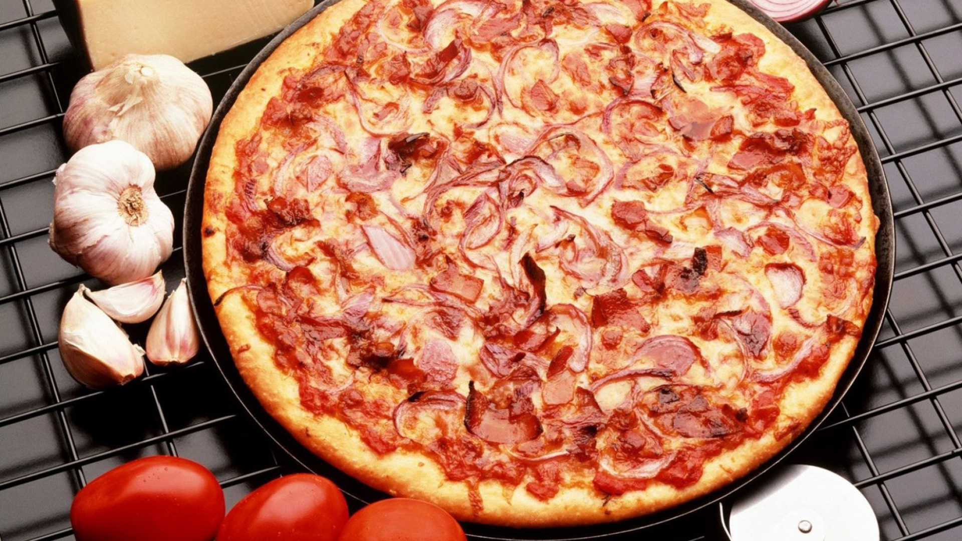 Download Wallpaper 1920x1080 Pizza, Sausage, Onions