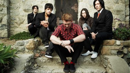 queens of the stone age, band, clothes