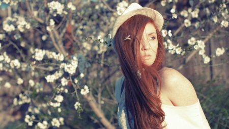red hair, hat, tree