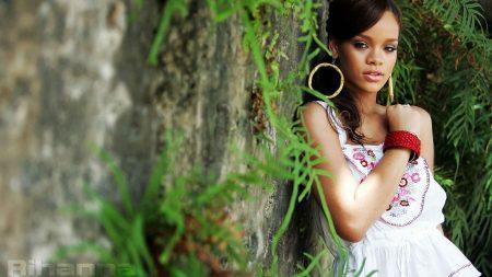 rihanna, girl, green