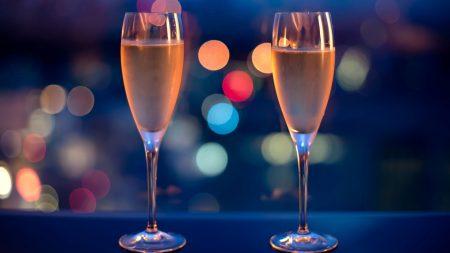 romanticism, champagne, glasses