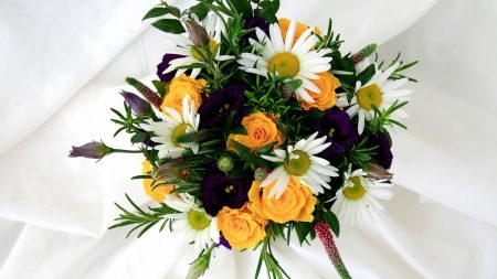 roses, daisies, lisianthus russell