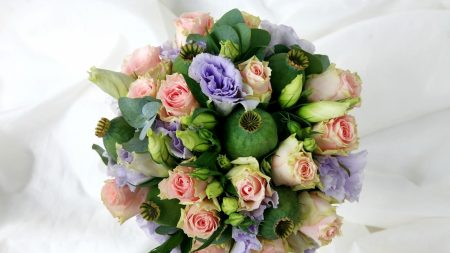 roses, lisianthus russell, poppy