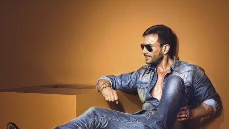 saif ali khan, celebrity, jeans