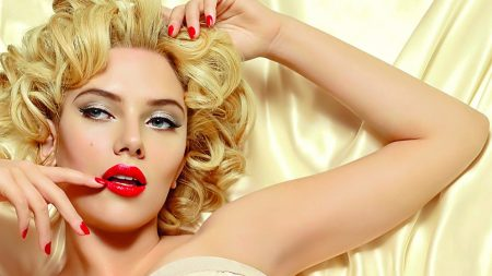 scarlett johansson, blonde, make-up