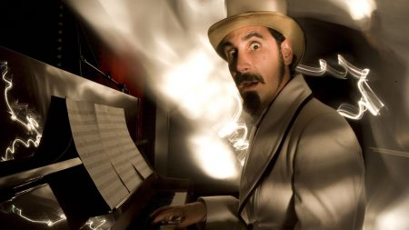 serj tankian, hat, piano