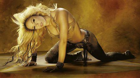 shakira, blonde, body