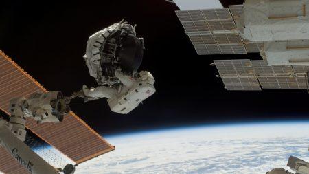 ship, cosmonaut, flight