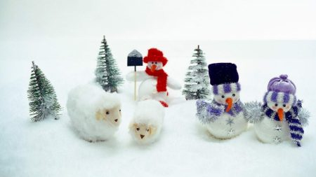 snowmen, sheep, trees