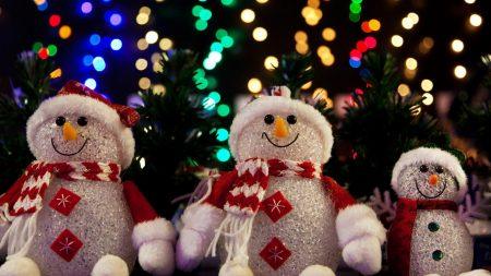 snowmen, sit, trees