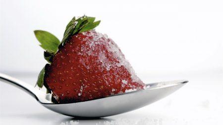 strawberries, sugar, spoon