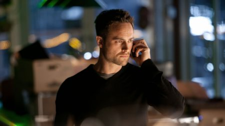 stuart townsend, talk, dark