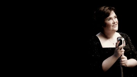 susan boyle, microphone, dress