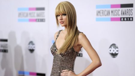 taylor swift, blonde, dress