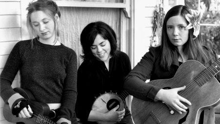 the be good tanyas, girls, guitars