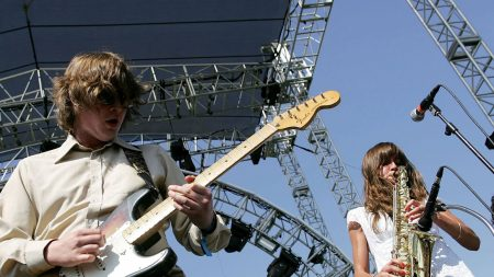 the zutons, scene, action