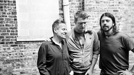 them crooked vultures, house, wall