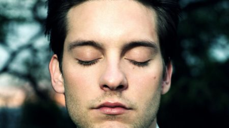 tobey maguire, face, eyes