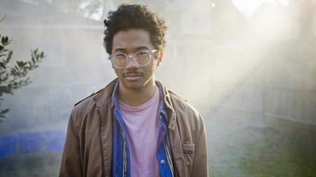 toro y moi, haircut, glasses