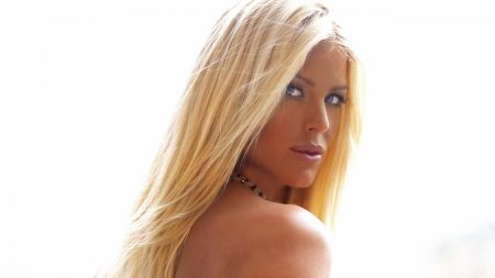 victoria silvstedt, blonde hair, eyes